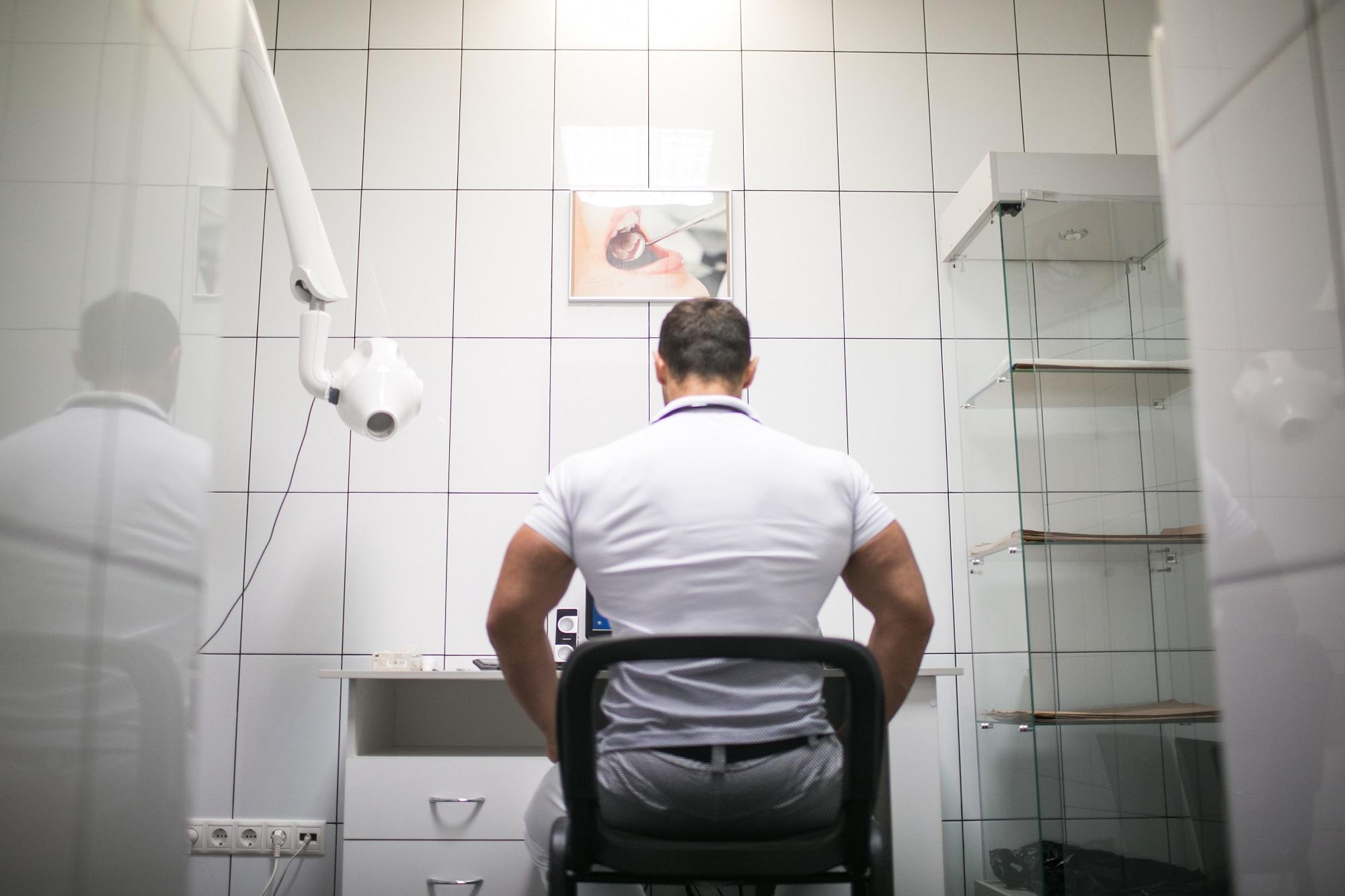 Что делает онколог